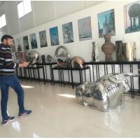 China Colorful painted stainless steel statue sculptures ,customized art statue,Stainless steel sculpture supplier factory