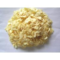 China Dehydrated garlic flakes1.8-2.0MM ,2017 new products with a good quality factory