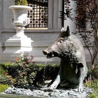 China Garden Fountain Boar luck Sculpture Modern Material Bronze Landscaping Products factory