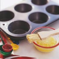 China Easy Cakes Mold Release With Layers , Oil Type Release Agent on sale