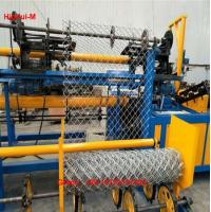 China China Full Automatic 3mtr Width Double Wire Feeding Diamond Fence Mesh Making Machine factory