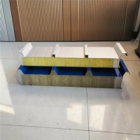 China 64kg/m3 Glass Wool Sandwich Panel Building Insulation Material on sale