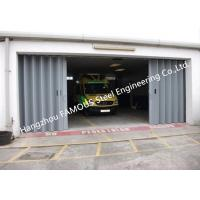 China External Folding Panel Doors Horizontally Folding Garage Doors With Custom Opennings on sale
