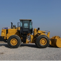 China Multiple Versatility Productivity 656D compact Wheel Loader 5% Fuel Economy factory