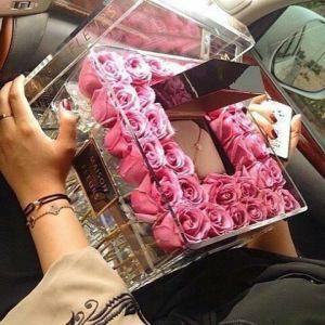 China custom made cheap wholesale plastic rose acrylic flower box design factory