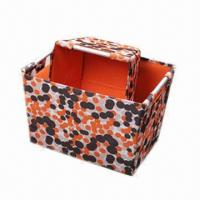 China Foldable Square 600D Polyester Storage Box, Made of 2mm Cardboard, Aluminum Tubes Handle and Zipper factory