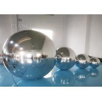 China Custom Size Inflatable Decorative Ball Ornaments With D Rings Fire - Proof factory