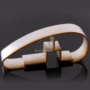 China Ajustable Aluminium Handrail Profiles OEM Customize Length Light Wood Grain Finish factory