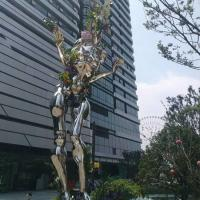 China Mirror polish man stainless steel sculpture with varnish,Stainless steel sculpture supplier factory