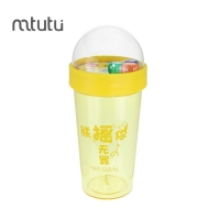 China 0.5L Play Dice Game Creative Water Bottles For Children factory