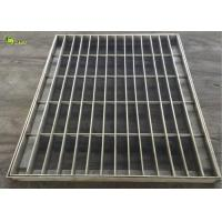 China Hot Dip Galvanized Riveted Steel Bar Lattice Gratings Weight Per Square Meter on sale