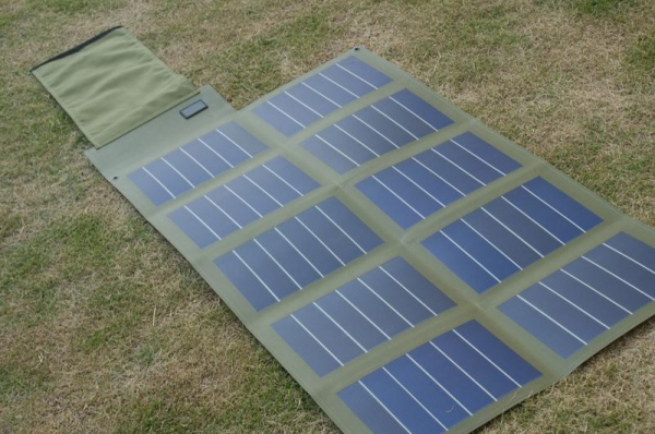 China 30W/18V Amorphous Foldable Solar Panel factory