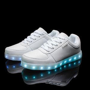 China 2016 wholesales&dropshipping LED shoes light up flashing hot top glow sneakers for men factory